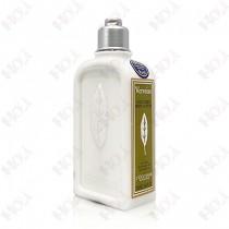 134-2390【TESTER 包裝】L'OCCITANE 歐舒丹 馬鞭草身體乳 250ml (瓶身上貼有TESTER字樣標籤)